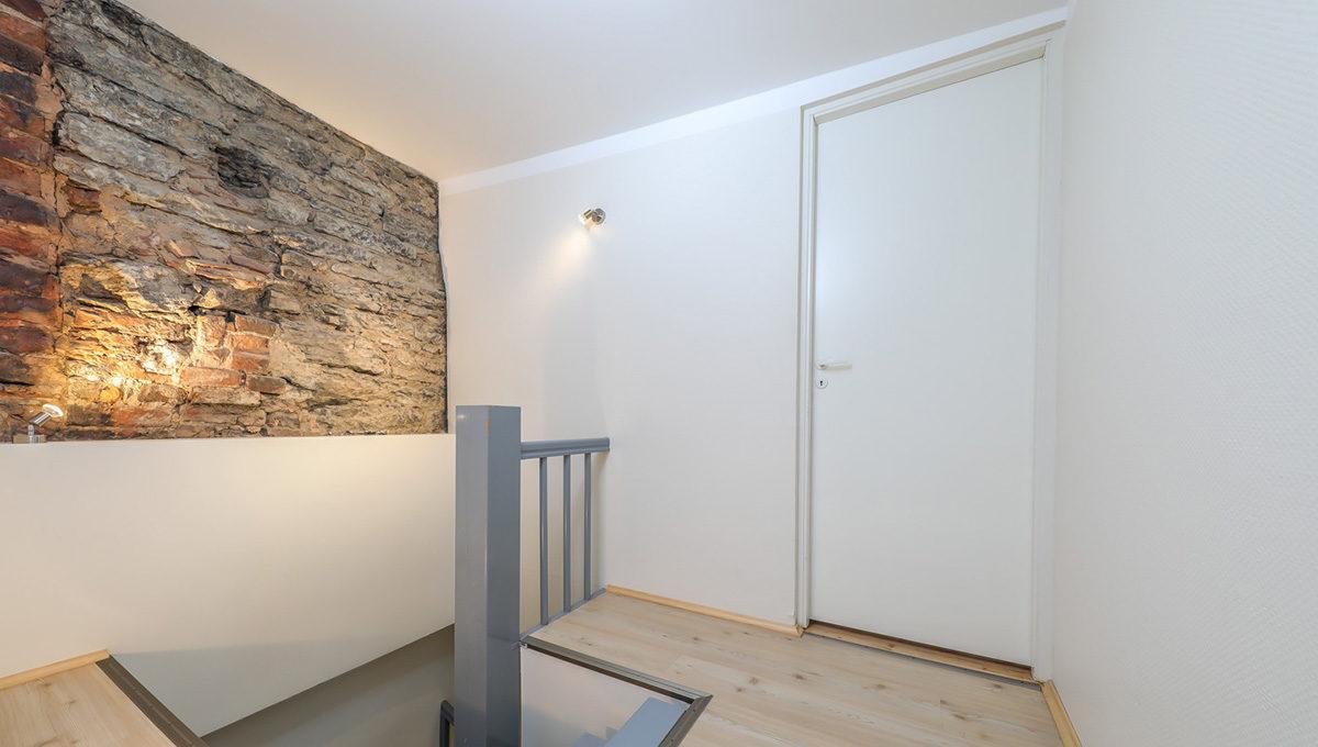 Põneva planeeringuga stiilne 3-toaline korter Vanalinnas